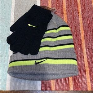 Nike hat and gloves